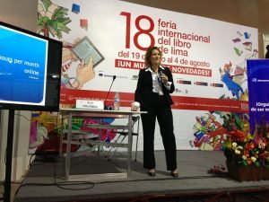 Sue Polanka presenting at the Lima Book Fair